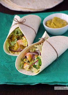Tacos de langostinos picantes. Receta de cocina fácil, sencilla y deliciosa Fish Recipes, Mexican Food Recipes, Healthy Recipes, Ethnic Recipes, Salad Recipes, Tapas, Tahini, Tacos And Burritos, Fish And Seafood