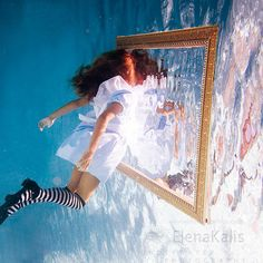 신비로운 분위기의 수중사진 | 인스티즈