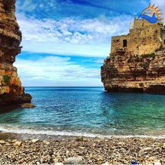 F O T O  D I @elenaveri             REGIONE  Puglia  LOCALITÁ  Polignano a Mare Bari SCELTA DA ADM  @francescav21 HASHTAG  #verso_sud  GRUPPO  @verso_community FACEBOOK  /versosuditalia ALTRI HASHTAG  #sud #italia #suditalia  #marmediterraneo  #meridione  #south #southitaly #sud #italy #landscape #mare #sea #village #PolignanoaMare #Bari #puglia  by verso_sud