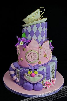 Alice in Wonderland cheshire cat cake.oh Gray Gray Memmo do you think your mom could make THIS cake for you? Beautiful Birthday Cakes, Gorgeous Cakes, Pretty Cakes, Cute Cakes, Fancy Cakes, Amazing Cakes, Crazy Cakes, Cheshire Cat Cake, Mad Hatter Cake