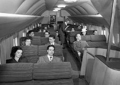 Very interesting photos from the past. Famous people, funny moments, etc. Very interesting photos from the past. Famous people, funny moments, etc. Retro Pictures, Old Pictures, Volkswagen, Aircraft Interiors, Old Planes, 1 Gif, Vintage Airplanes, Air Travel, Vintage Travel Posters
