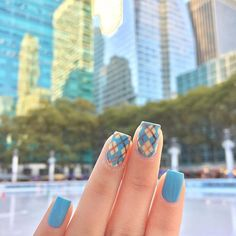 Love Bryant Park Winter Village - ice rink is open! ❄️☃️⛸ ❄️❄️❄️❄️ On my nails: Blue: I Believe in Manicures @opi_products Yellow: Build Me Up Buttercup @deborahlippmann Bronze shimmer: Champagne Mami @deco.miami Top coat: Marvel top coat @superchiclacquer