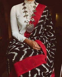 Beautiful sari blouse styles Check out more info on . Sari Blouse, Saree Blouse Designs, High Neck Saree Blouse, Collar Blouse, Indian Attire, Indian Wear, Saris Indios, Saree Jewellery, Skirts