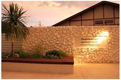 南国の植栽と砂岩の相性は特別です!