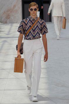 Louis Vuitton - Paris Men s Fashion Week - Spring-Summer 2015 Men Fashion  Show a4fd596ce78
