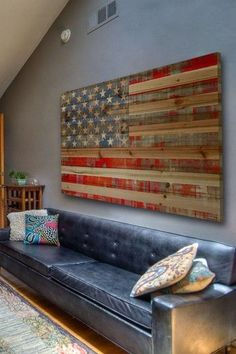 Loving the wall color & the wooden flag ❤️ want to do this with a Texas flag though!