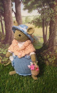 Poppy mouse...Inspired by the enchanting door dollsandbunnies