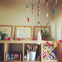 A list of an art therapist's favorite art supplies - By: Jen Berlingo - jenberlingo.com
