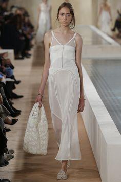 Balenciaga Spring 2016 Ready-to-Wear Collection Photos - Vogue