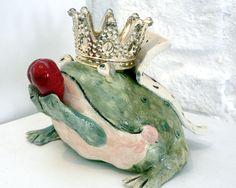 Principe ranocchio  ceramica di Massimo Voghera  @evvivanoé Cherasco CN)