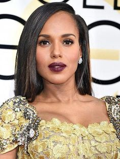 at the 2009 Golden Globes, we loved her wild look! Her icy blue eye shadow and dark eyeliner perfectly complemented her dress, while her hair was teased and voluminous. Ouai Hair, Her Hair, Face Light, Light Skin, Retro Hairstyles, Straight Hairstyles, Beautiful Black Women, Beautiful Eyes, Beautiful Pictures