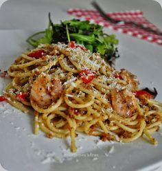 Spaghetti with King Prawns and Tomato