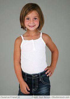 Kinderkapsels bobline Girls Cuts, Back To School, Little Girls, Curly Hair Styles, Hairstyles, Fashion, Fashion Styles, Madeleine, Childrens Hairstyles