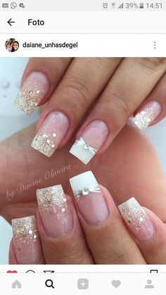 Trendy Nails Ideas Glitter Tips 33 Ideas Trendy Nails Ideas Glitter Tips 33 Ideas White Nails, Red Nails, Hair And Nails, White French Nails, French Nail Designs, Nail Art Designs, Nails Design, Gorgeous Nails, Pretty Nails