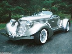 The Most Beautiful Cars Of All Time - No Auburn Speedster Classic Sports Cars, British Sports Cars, Classic Cars, British Car, Vintage Cars, Antique Cars, Automobile, Auto Retro, Amazing Cars