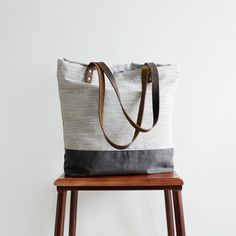 Handcrafted Canvas and Leather Casual Tote Bag Shopping Bag Handbag 14040 --------------------------------- - 16oz waxed canvas - Cotton lining - Inside one zipper pocket, one phone pocket, one wallet
