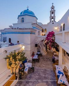 streets of Santorini Crete Greece, Santorini Greece, Athens Greece, Places Around The World, Around The Worlds, Wonderful Places, Beautiful Places, Places To Travel, Places To Visit
