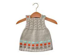 robe boutonnée  http://www.enfant.com/votre-bebe-0-1an/tricot/tricot-Robe-boutonnee-427.html#