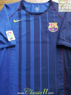Relive Barcelona's 2004/2005 season with this vintage Nike away football shirt.
