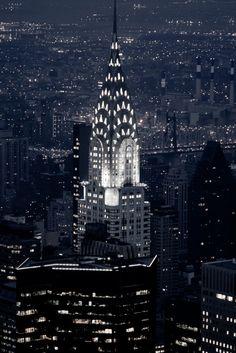 Chrysler Building…reépinglé par Maurie Daboux.•*´♥*•❥ڿڰۣ—
