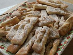 calzones rotos + azucar flor Apple Pie, Sausage, Yummy Food, Bread, Baking, Desserts, Country, Beautiful, Home