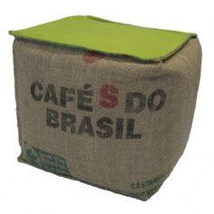 Pouf en toile de jute/coton vert Cafés do Brasil Lilokawa Cabane Indigo http://www.cabaneindigo.com/poufs-et-tabourets/425-pouf-toile-de-jute-coton-vert.html
