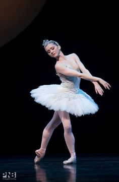 Carla Körbes, Pacific Northwest Ballet - Photographer Angela Sterling