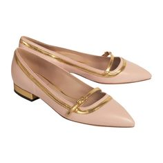 De Siena Celia Nude Pointy Toe Flats ($283) ❤ liked on Polyvore featuring shoes, flats, обувь, rose, pointy-toe flats, gold shoes, flat pointed-toe shoes, nude flats and pointy toe flat shoes