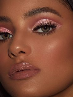 Especially in regards to eye makeup. Sometimes you receive a mascara brush you truly like. It is possible to pick a pencil eyeliner because it's soft . Makeup Trends, Makeup Inspo, Makeup Inspiration, Makeup Ideas, Makeup Tutorials, Makeup Hacks, Makeup Geek, 90s Makeup, Eyeliner Hacks