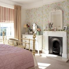 Floral and checks country bedroom | Country bedrooms - 10 of the best | housetohome.co.uk