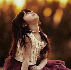 أحلم حتى وإن كان الحُلم كبيراً ومع كل حُلماً .. أنجز ،  وجاهد ، وأصنع من ذلك الحُلمَ سُلماً يرتقي بك لطموحك ...