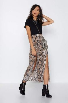 Look Ideas With Snake Printed Skirts – Fashion Trends Mode Outfits, Girly Outfits, Skirt Outfits, Fashion Outfits, Fashion Trends, Fashionable Outfits, Dressy Outfits, Skirt Fashion, Fashion Clothes