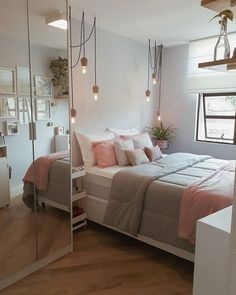 TEEN GIRL BEDROOM IDEAS - Every young girl imagine a distinctly personal area to call her own, however nailing down a natural search for a teenage girl's bedroom can be an especially tough venture. Dream Rooms, Dream Bedroom, Diy Bedroom, Bedroom Mirrors, Bedroom Chandeliers, Bedroom Wall, Pool Bedroom, Cute Bedroom Decor, Budget Bedroom