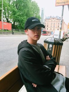 I love it when guys wear caps. Jin is just too cute in one!