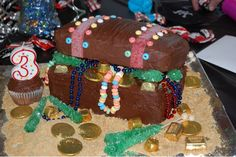 Party - with a Treasure Chest Cake