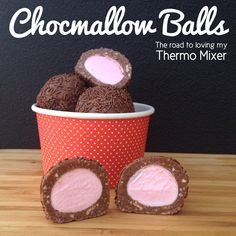 Chocmallow Balls - made quickly and easily in your thermomix or bellini. Yummy Treats, Delicious Desserts, Sweet Treats, Yummy Food, Christmas Treats, Christmas Baking, Bellini Recipe, Aussie Food, Chocolate Marshmallows