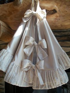 Anthropologie Inspired  Stunning Winter White Reversible  Christmas Tree Skirt 2012 Collection READY TO SHIP.  via Etsy.