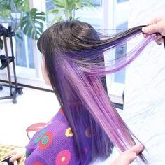 """551 Likes, 9 Comments - ナツ✂︎アース神楽坂店 (@natsu_earthkagurazaka) on Instagram: """"インナーカラーパープル✨ 紫の服と同化して分かりにくいけれども!笑 黒髪からブリーチ3回必要です…"""""""