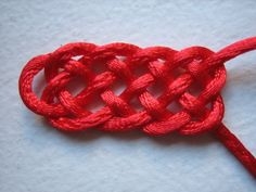 Bracelet Knots, Bracelets, Diy Projects To Try, Paracord, Origami, Jewelry Making, Crochet, How To Make, Knots
