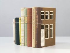 Built of Books,Frank Halmans  German artist... - instalaciones efimeras
