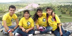 """Niñas mexicanas ganan concurso de róbotica """"Moonbots"""""""