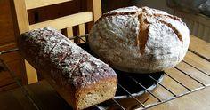 Tyto chleby u nás zpropagoval určitě především Cuketka svým blogem o nehněteném chlebu drožďovém a pak také o nehnětené kváskové šumavě . ... How To Make Bread, Bread Making, Pizza, Baking, Eat, Recipes, Food, Dumplings, Buns