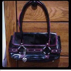Hosts Pick! Black & hot pink purse / handbag Super cute black & hot pink small purse XOXO Bags