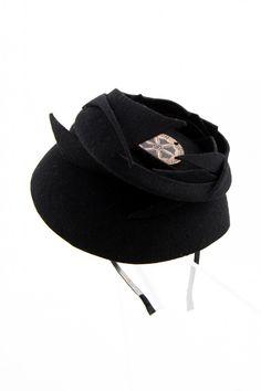 Fandacsia Hat Hat, Products, Fashion, Cards, Chip Hat, Moda, Fashion Styles, Fashion Illustrations, Hats
