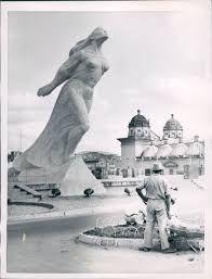 Resultado de imagen para escultura caracas