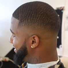 The Best Low Fade Haircuts for Men Low cut Waves Low Cut Hairstyles, Top Hairstyles For Men, Black Men Haircuts, Fresh Haircuts, Shaggy Hairstyles, Waves Haircut, Low Fade Haircut, Haircut Men, Hair And Beard Styles
