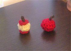 りんごのマスコット2種の作り方|編み物|編み物・手芸・ソーイング|ハンドメイドカテゴリ|ハンドメイド、手作り作品の作り方ならアトリエ