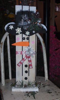 snowman made with wood slats. cute paint job!