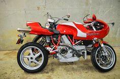 Mike Hailwood Ducati motorcycle, beautimous