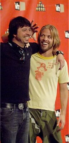 Dave Grohl and Taylor Hawkins of Foo Fighters